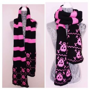 Black and pink skull scarf